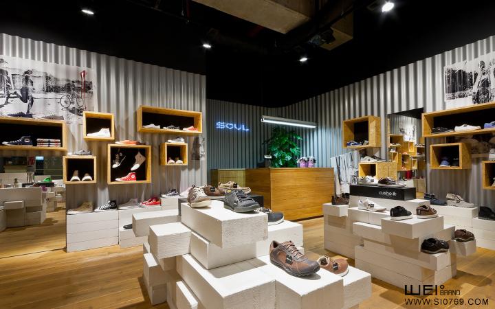运动鞋专卖店的陈列设计