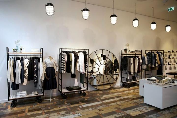 汉堡denham服装店室内陈列设计